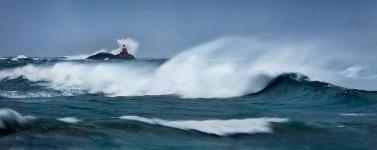 Rossholmen i Storm VI 45x110cm